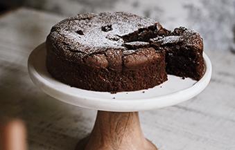アーモンドフラワーチョコレートケーキ